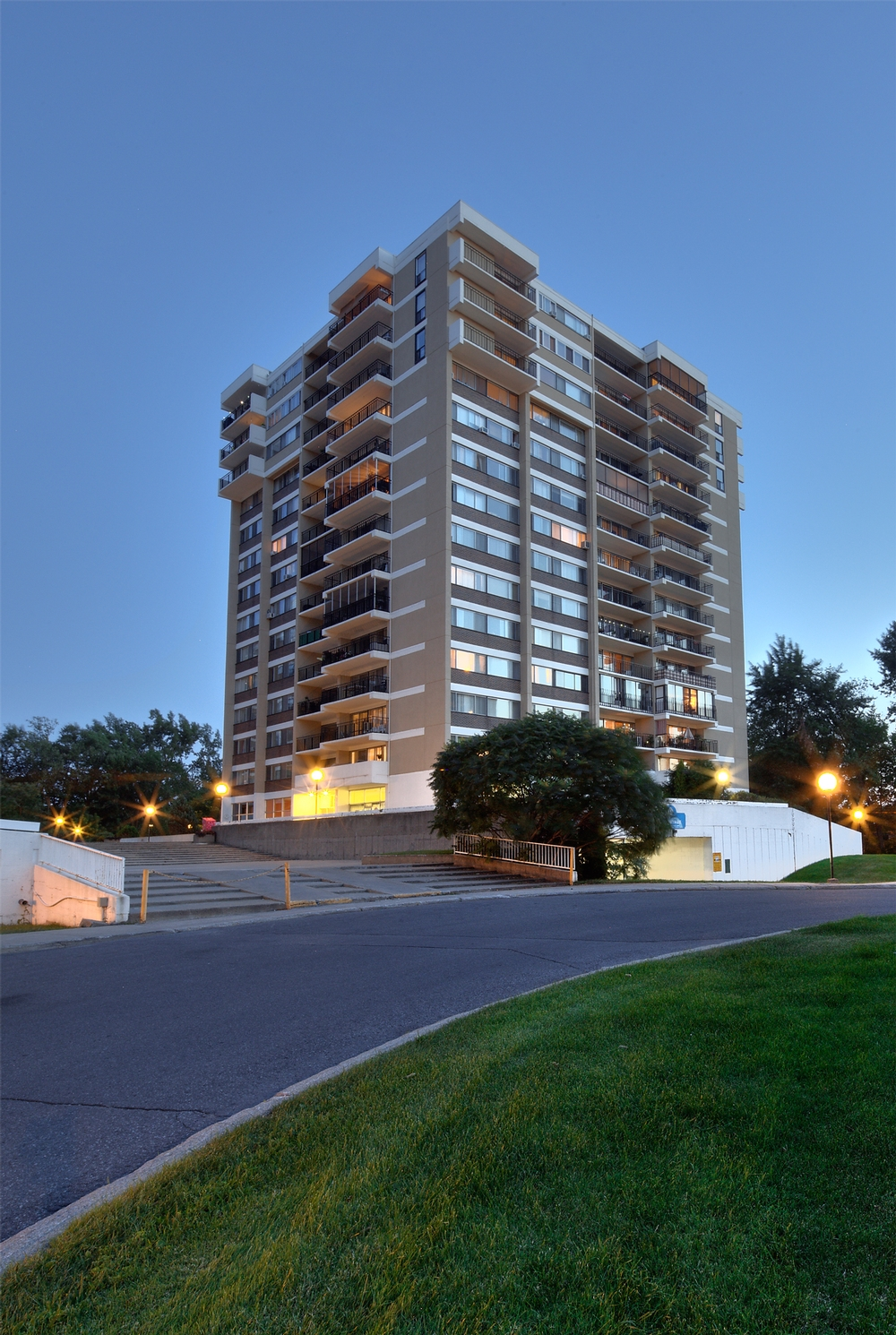 1 bedroom Apartments for rent in Laval at Havre des Iles - Photo 01 - RentersPages – L9525