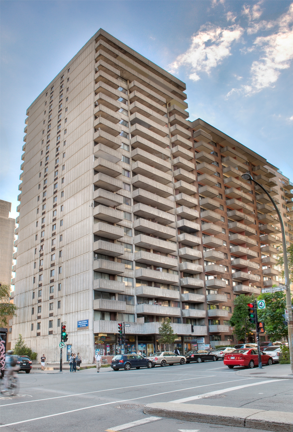 1 bedroom Apartments for rent in Montreal (Downtown) at St Marc - Photo 02 - RentersPages – L9538