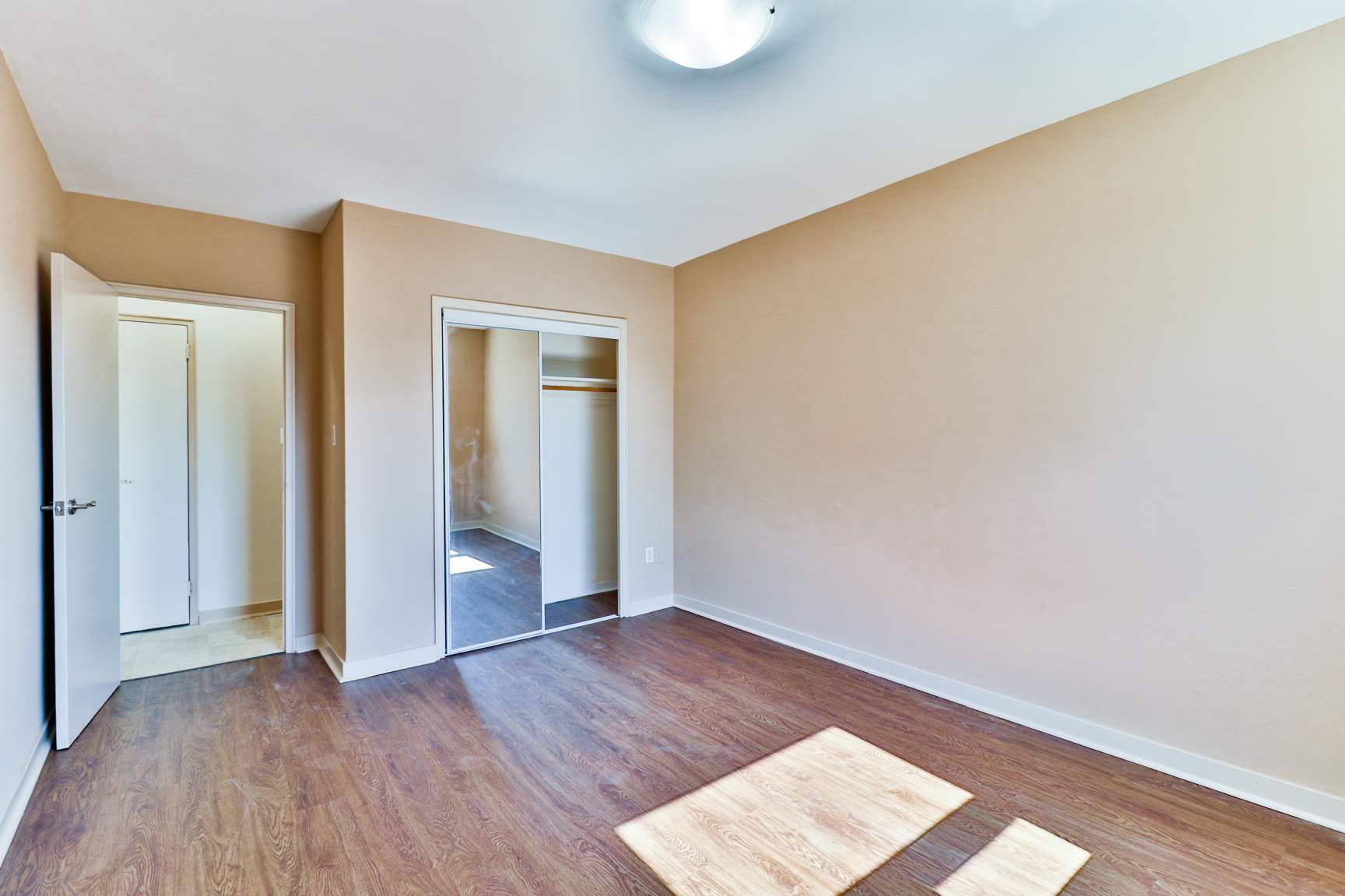 2 bedroom Apartments for rent in Toronto at Lake Promenade Community - Photo 12 - RentersPages – L138882