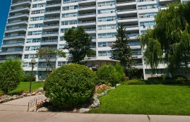 Junior 1 bedroom Apartments for rent in North-York at 120 Shelborne Ave - Photo 01 - RentersPages – L225025
