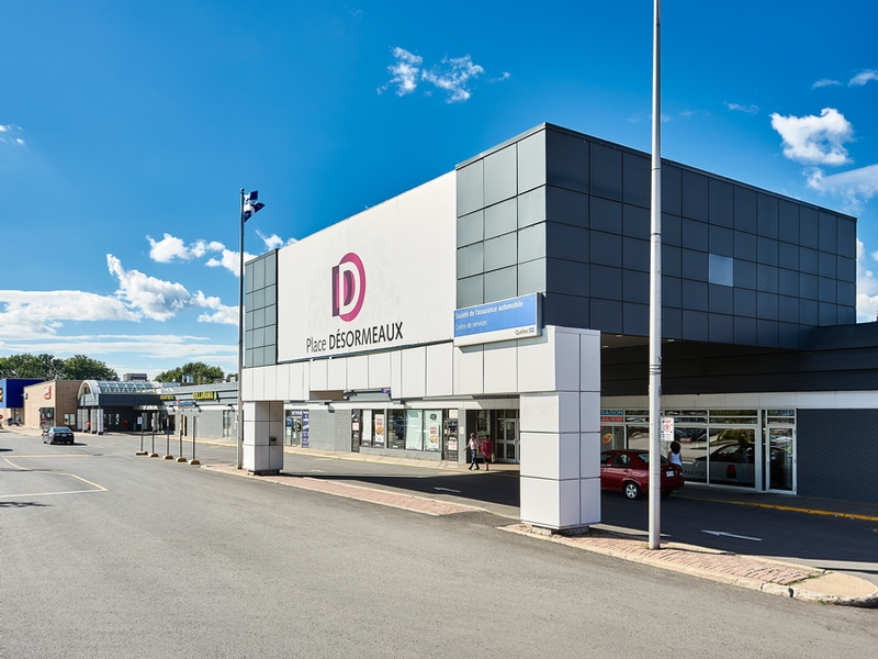 Shopping center for rent in Longueuil at Place-Desormeaux - Photo 03 - RentersPages – L182792