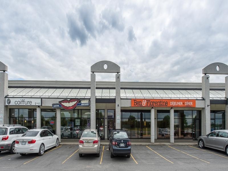 General office for rent in Ville St-Laurent - Bois-Franc at Promenades-Thimens-Retail-space - Photo 01 - RentersPages – L181029