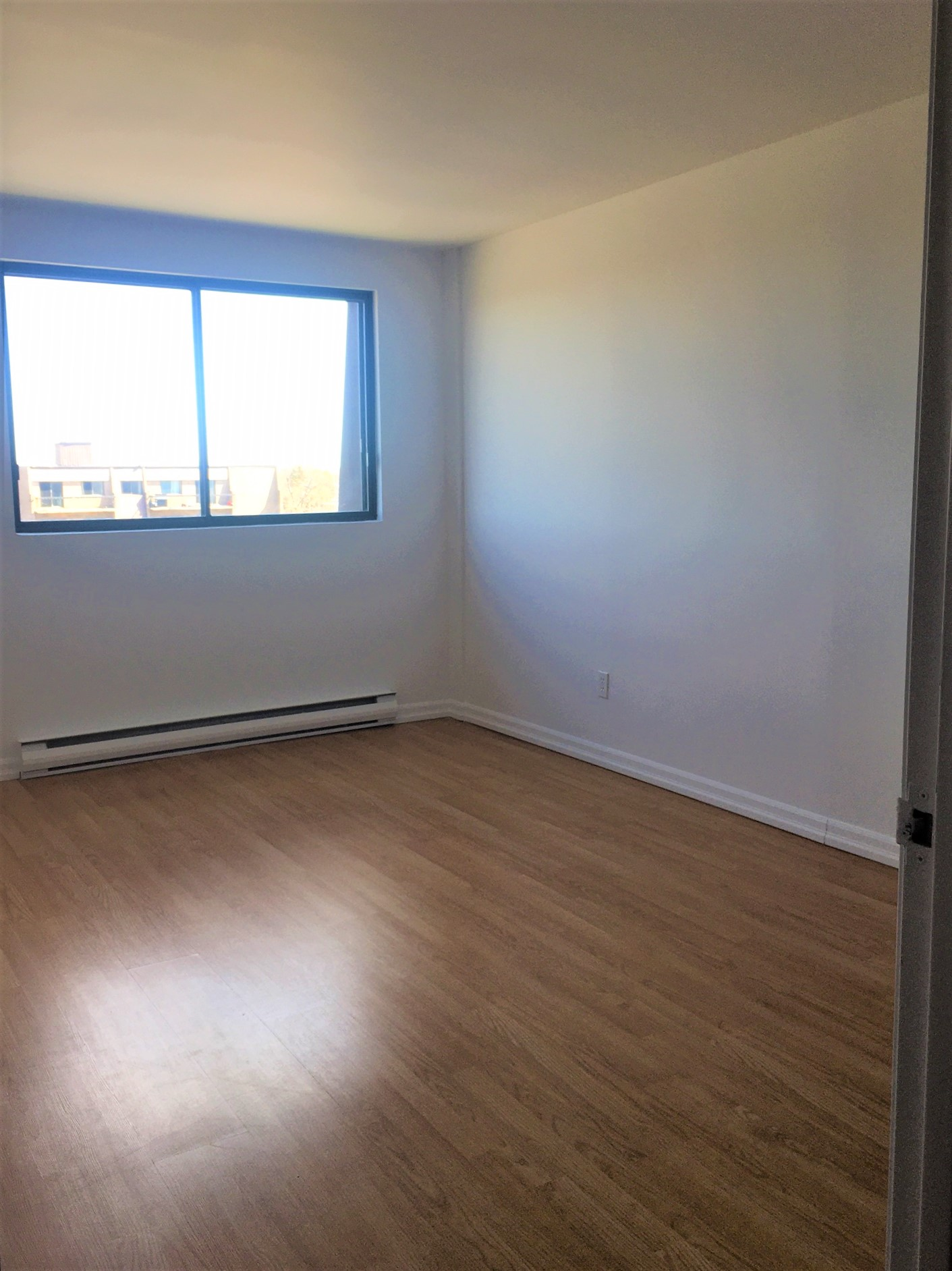 2 bedroom Apartments for rent in Pointe-aux-Trembles at Habitations de la Rousseliere - Photo 07 - RentersPages – L1922