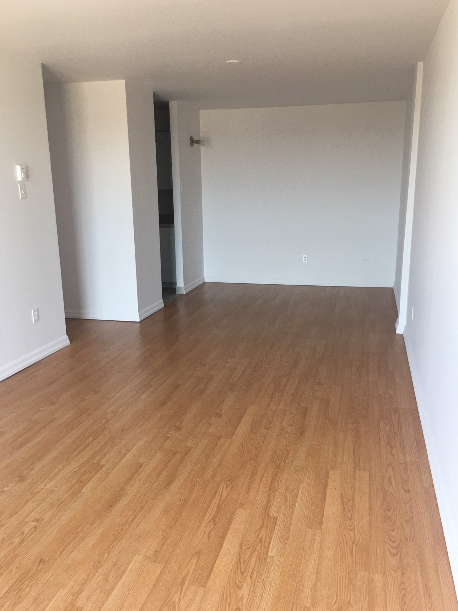 2 bedroom Apartments for rent in Pointe-aux-Trembles at Habitations de la Rousseliere - Photo 09 - RentersPages – L1922