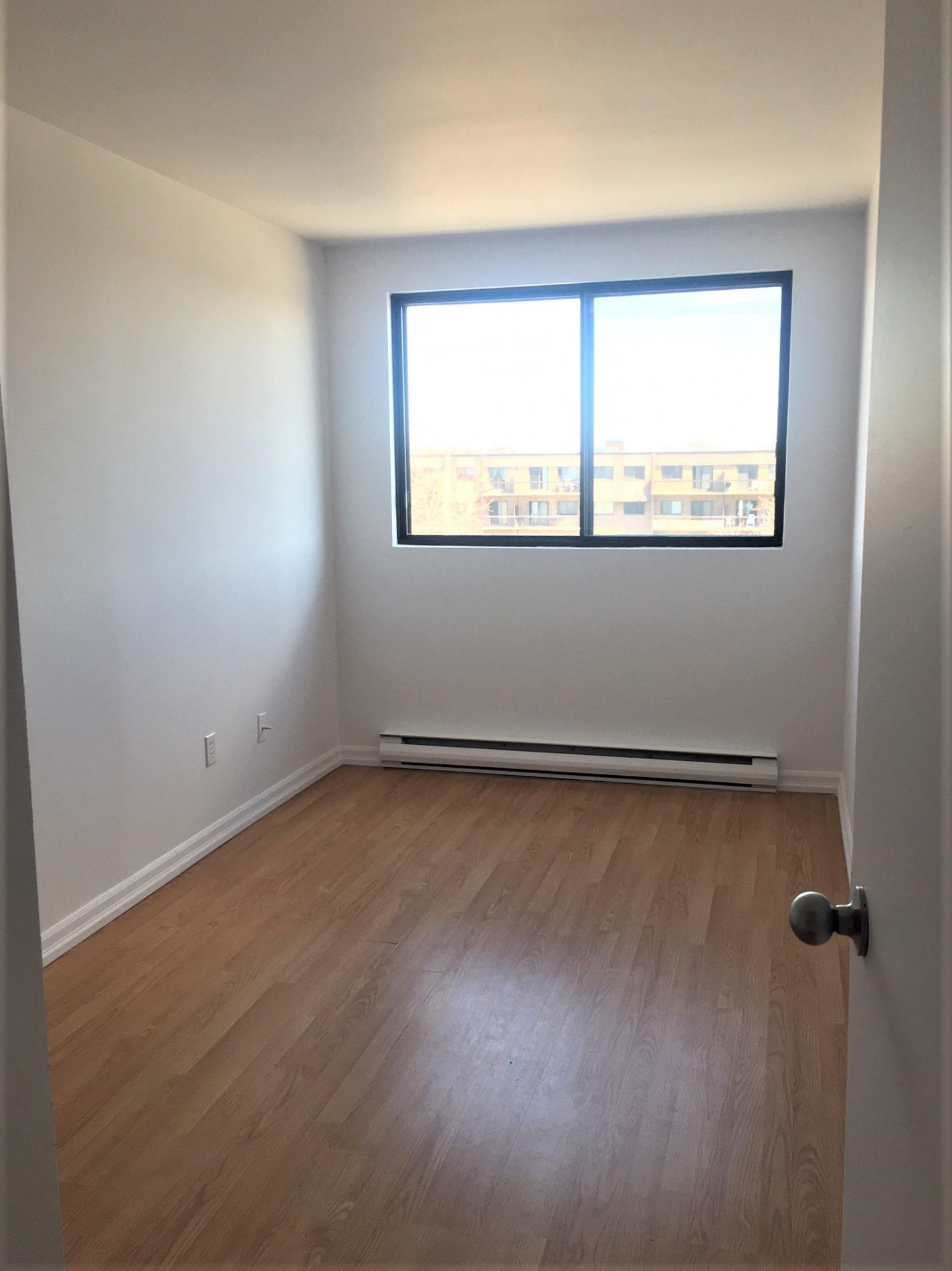 2 bedroom Apartments for rent in Pointe-aux-Trembles at Habitations de la Rousseliere - Photo 06 - RentersPages – L1922