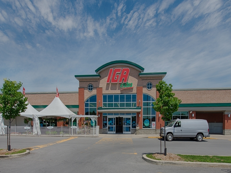 Shopping center for rent in Repentigny at Place-Repentigny - Photo 05 - RentersPages – L181016