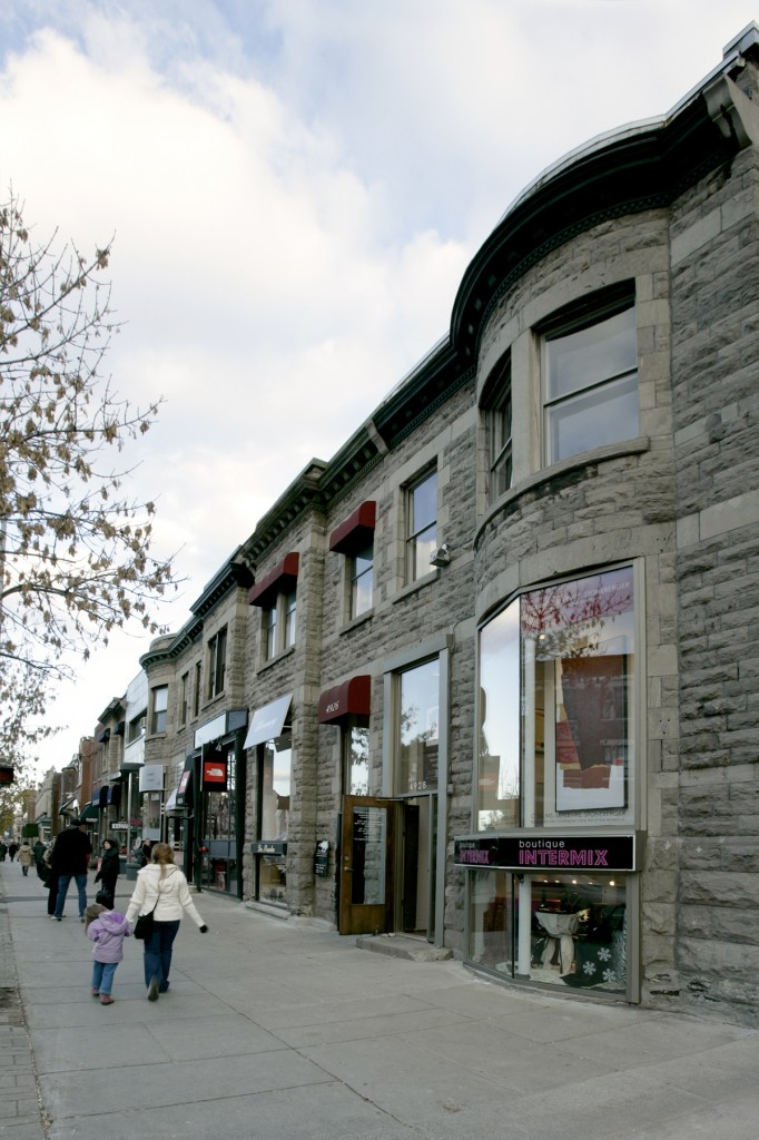 General retail space for rent in Westmount at 4928 Sherbrooke West - Photo 01 - RentersPages – L12798