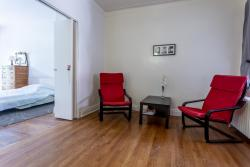 furnished 1 bedroom Apartments for rent in Cote-des-Neiges at 2219-2229 Edouard-Montpetit - Photo 02 - RentersPages – L2098