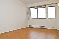 Studio / Bachelor Apartments for rent in Dorval at Tours Dorval - Photo 01 - RentersPages – L5544