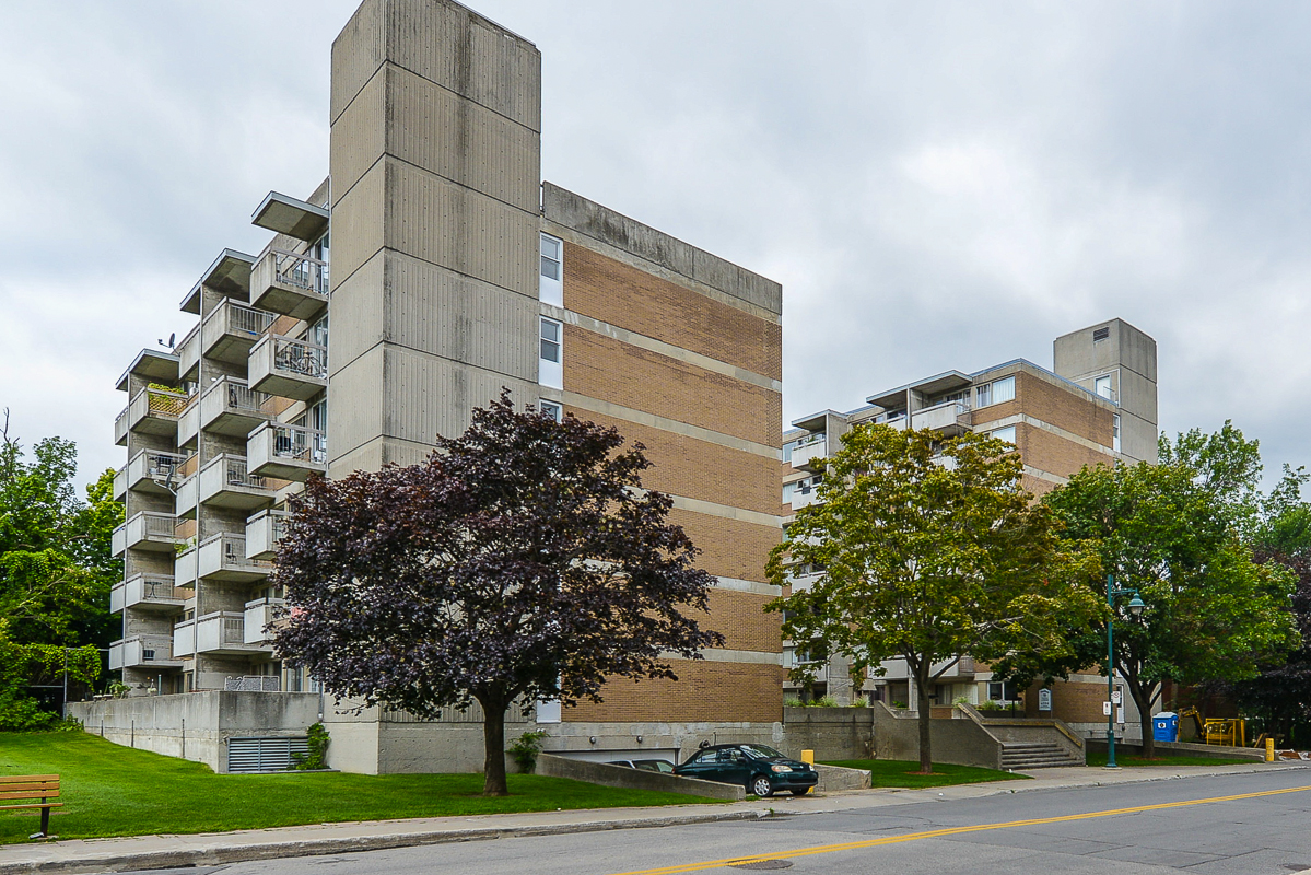 Studio / Bachelor Apartments for rent in Dorval at Tours Dorval - Photo 04 - RentersPages – L5544