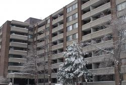 1 bedroom Apartments for rent in Cote Saint Luc at 6555 Kildare - Photo 01 - RentersPages – L8018