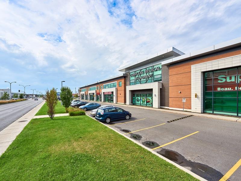Shopping center for rent in Ville St-Laurent - Bois-Franc at Marcel-Laurin-Shopping-Centre - Photo 09 - RentersPages – L181757