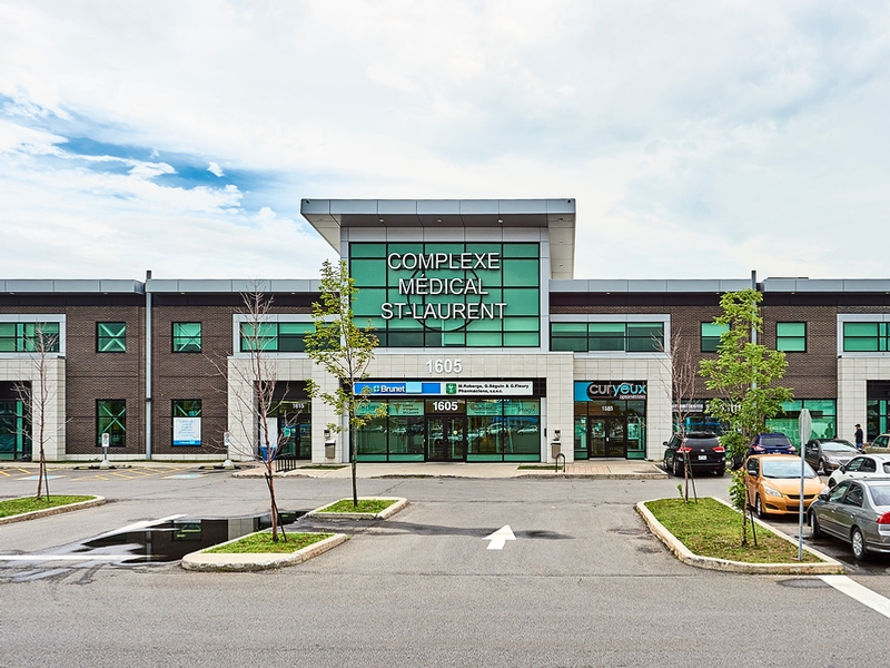 Shopping center for rent in Ville St-Laurent - Bois-Franc at Marcel-Laurin-Shopping-Centre - Photo 12 - RentersPages – L181757
