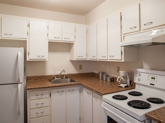 2 bedroom Independent living retirement homes for rent in Montreal-North at Complexe Gouin-Langelier - Photo 05 - RentersPages – L19521
