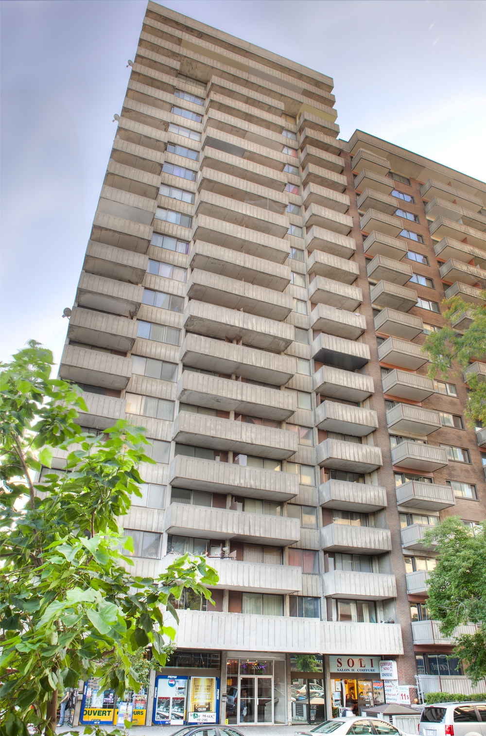 2 bedroom Apartments for rent in Montreal (Downtown) at St Marc - Photo 01 - RentersPages – L9539