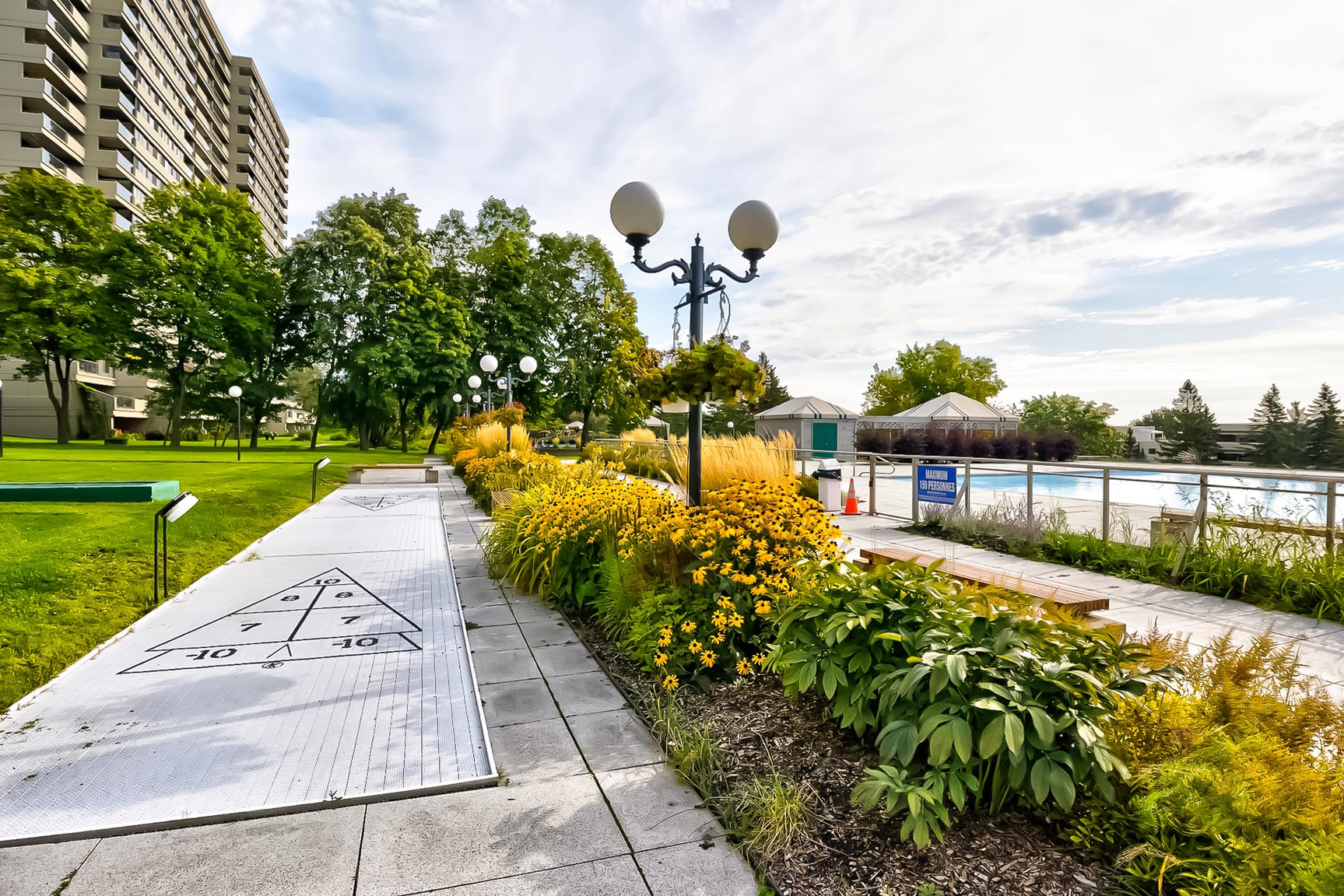 2 bedroom Apartments for rent in Quebec City at Les Jardins de Merici - Photo 38 - RentersPages – L407783