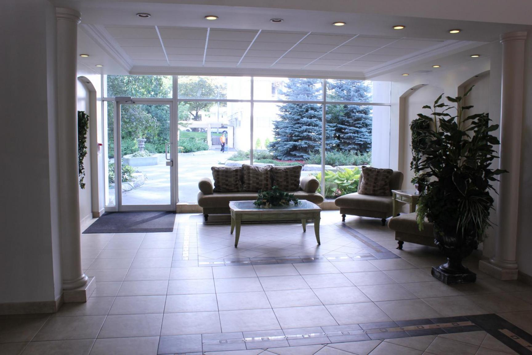 1 bedroom Apartments for rent in Toronto at Holly Tower - Photo 03 - RentersPages – L399824