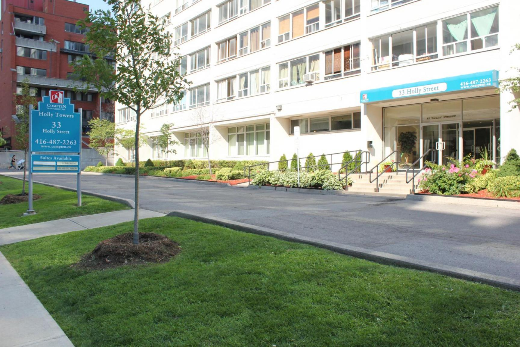 1 bedroom Apartments for rent in Toronto at Holly Tower - Photo 01 - RentersPages – L399824