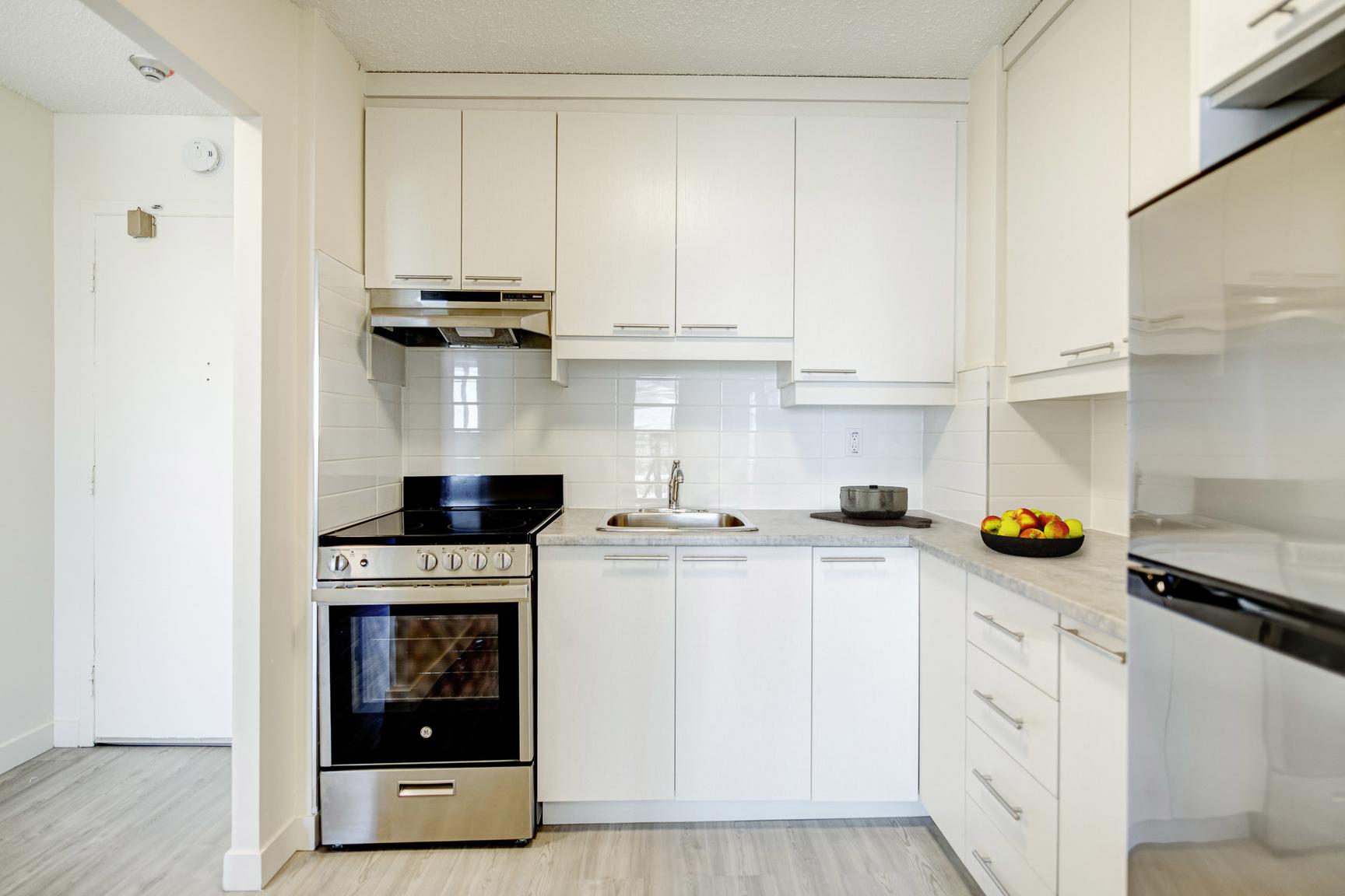 1 bedroom Apartments for rent in Laval at Le Quatre Cent - Photo 03 - RentersPages – L407184
