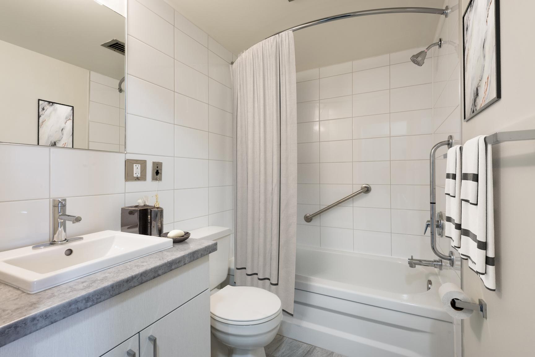 1 bedroom Apartments for rent in Laval at Le Quatre Cent - Photo 16 - RentersPages – L407184