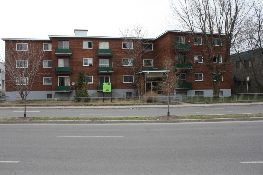 2 bedroom Apartments for rent in Laval at 4750 Samson - Photo 05 - RentersPages – L31348