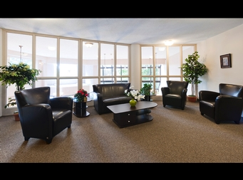 Studio / Bachelor Independent living retirement homes for rent in Brossard at L Emerite de Brossard - Photo 01 - RentersPages – L19498