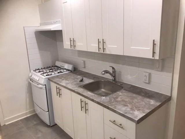 2 bedroom Apartments for rent in Notre-Dame-de-Grace at 6876 Sherbrooke West - Photo 07 - RentersPages – L402146