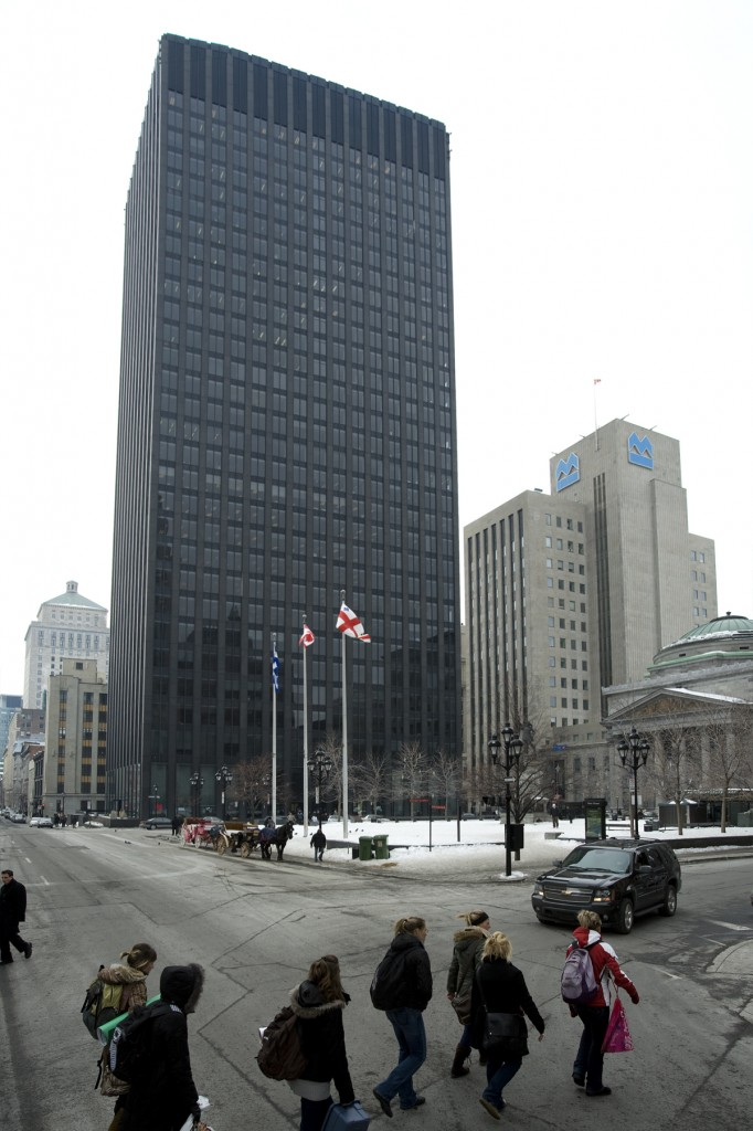 General office for rent in Montreal (Downtown) at 500 Place D'Armes - Photo 01 - RentersPages – L12776