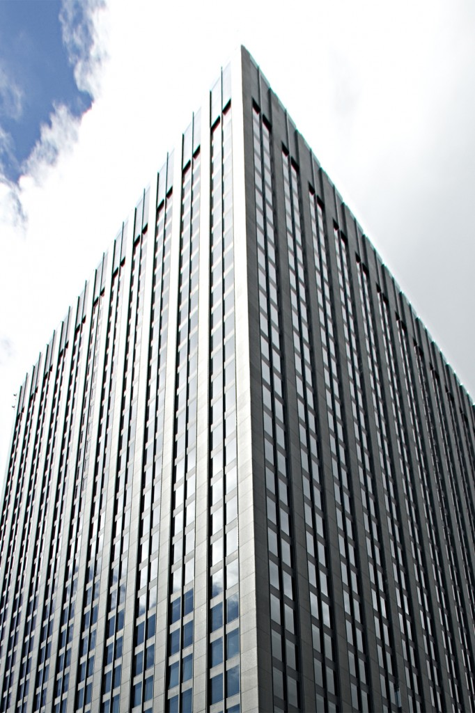 General office for rent in Montreal (Downtown) at 500 Place D'Armes - Photo 02 - RentersPages – L12774