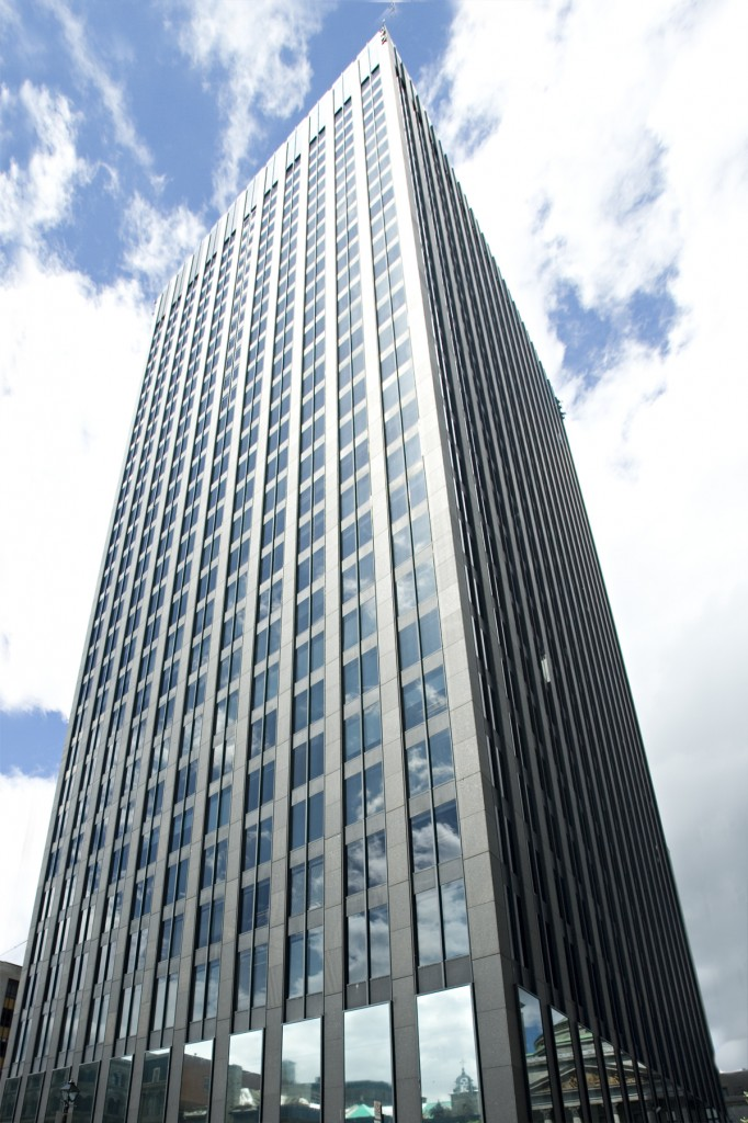 General office for rent in Montreal (Downtown) at 500 Place D'Armes - Photo 03 - RentersPages – L12774