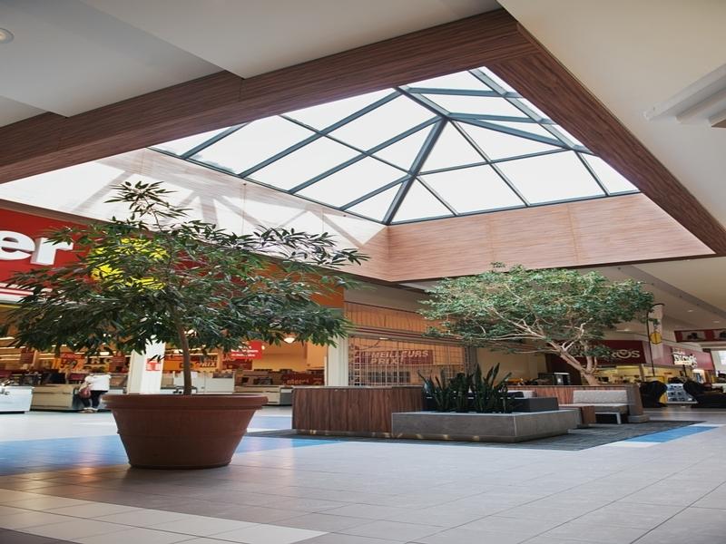 Shopping center for rent in Dollard-des-Ormeaux at Galeries-des-Sources - Photo 02 - RentersPages – L180986