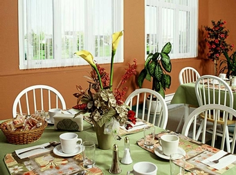 1 bedroom Independent living retirement homes for rent in Victoriaville at Villa St-Georges - Photo 01 - RentersPages – L19301