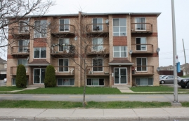 2 bedroom Apartments for rent in Pierrefonds-Roxboro at 18045-18125 Pierrefonds Boulevard - Photo 01 - RentersPages – L46971