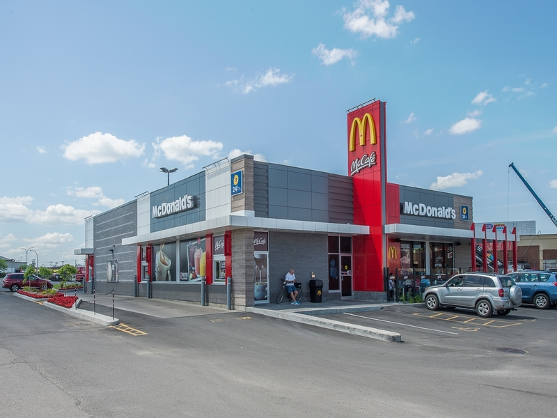 Shopping center for rent in Dollard-des-Ormeaux at Galeries-des-Sources - Photo 05 - RentersPages – L180991