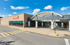 Shopping center for rent in Longueuil at Place-Desormeaux - Photo 01 - RentersPages – L182825