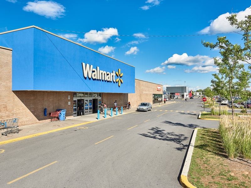 Shopping center for rent in Longueuil at Place-Desormeaux - Photo 04 - RentersPages – L182825