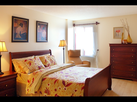 3 bedroom Independent living retirement homes for rent in Laval at Les Jardins de Renoir - Photo 03 - RentersPages – L19480