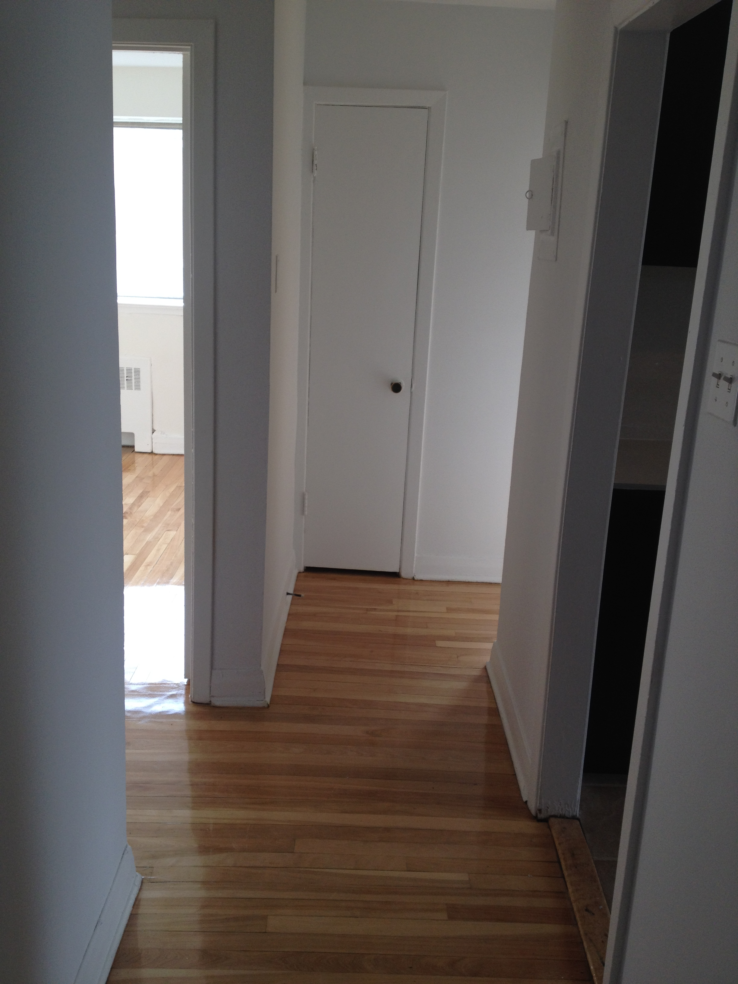 2 bedroom Apartments for rent in Cote-des-Neiges at 2615-2625 Kent - Photo 01 - RentersPages – L20674