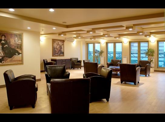 Studio / Bachelor Assisted living retirement homes for rent in Laval at Les Jardins de Renoir - Photo 01 - RentersPages – L19474