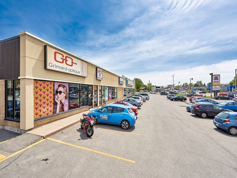 General office for rent in Laval at Des-Laurentides - Photo 02 - RentersPages – L181051