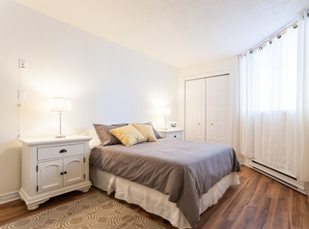1 bedroom Independent living retirement homes for rent in Outremont at Manoir Outremont - Photo 02 - RentersPages – L19531