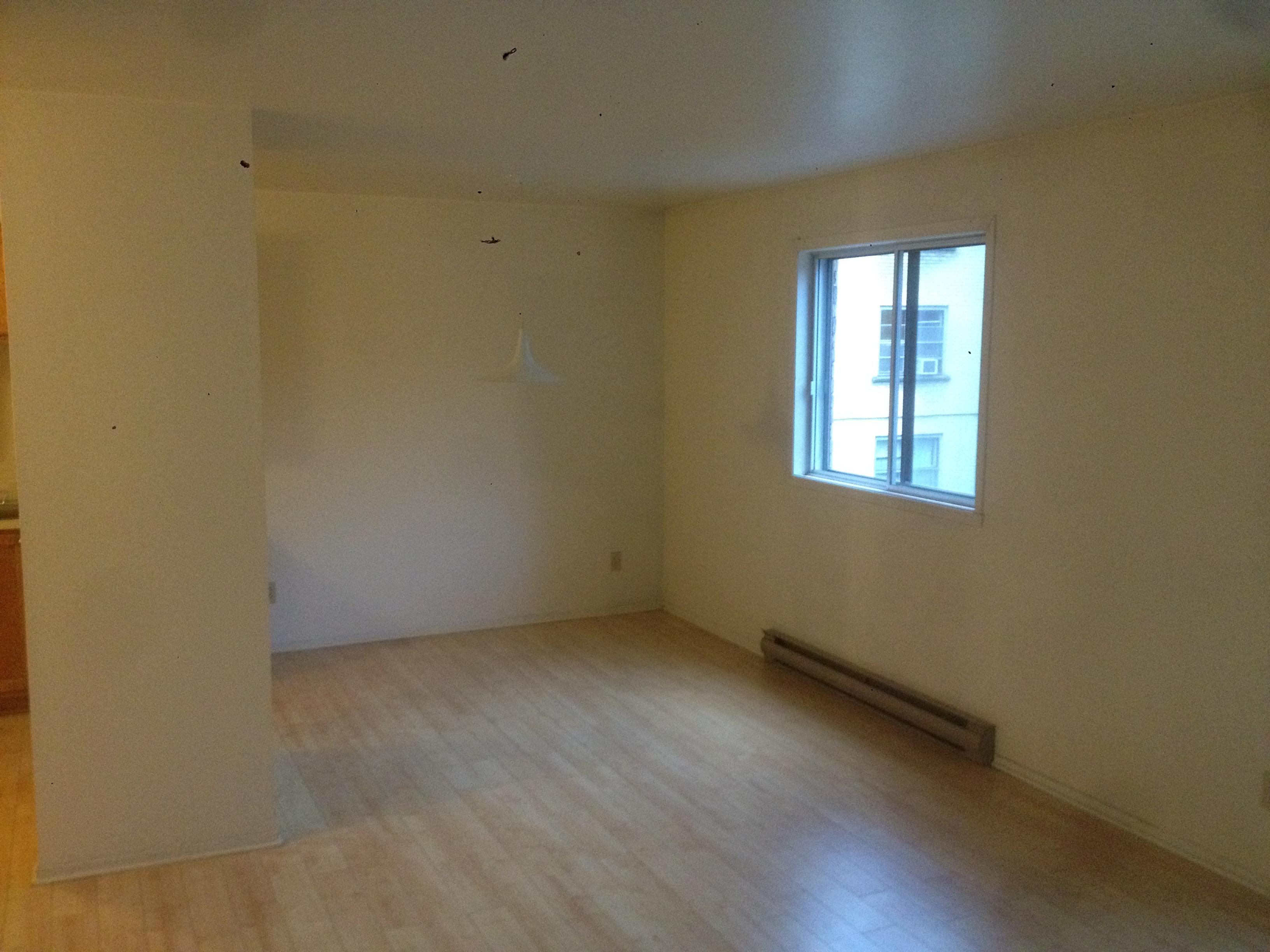 2 bedroom Apartments for rent in Sainte-Anne-de-Bellevue at Maple - Photo 01 - RentersPages – L112103