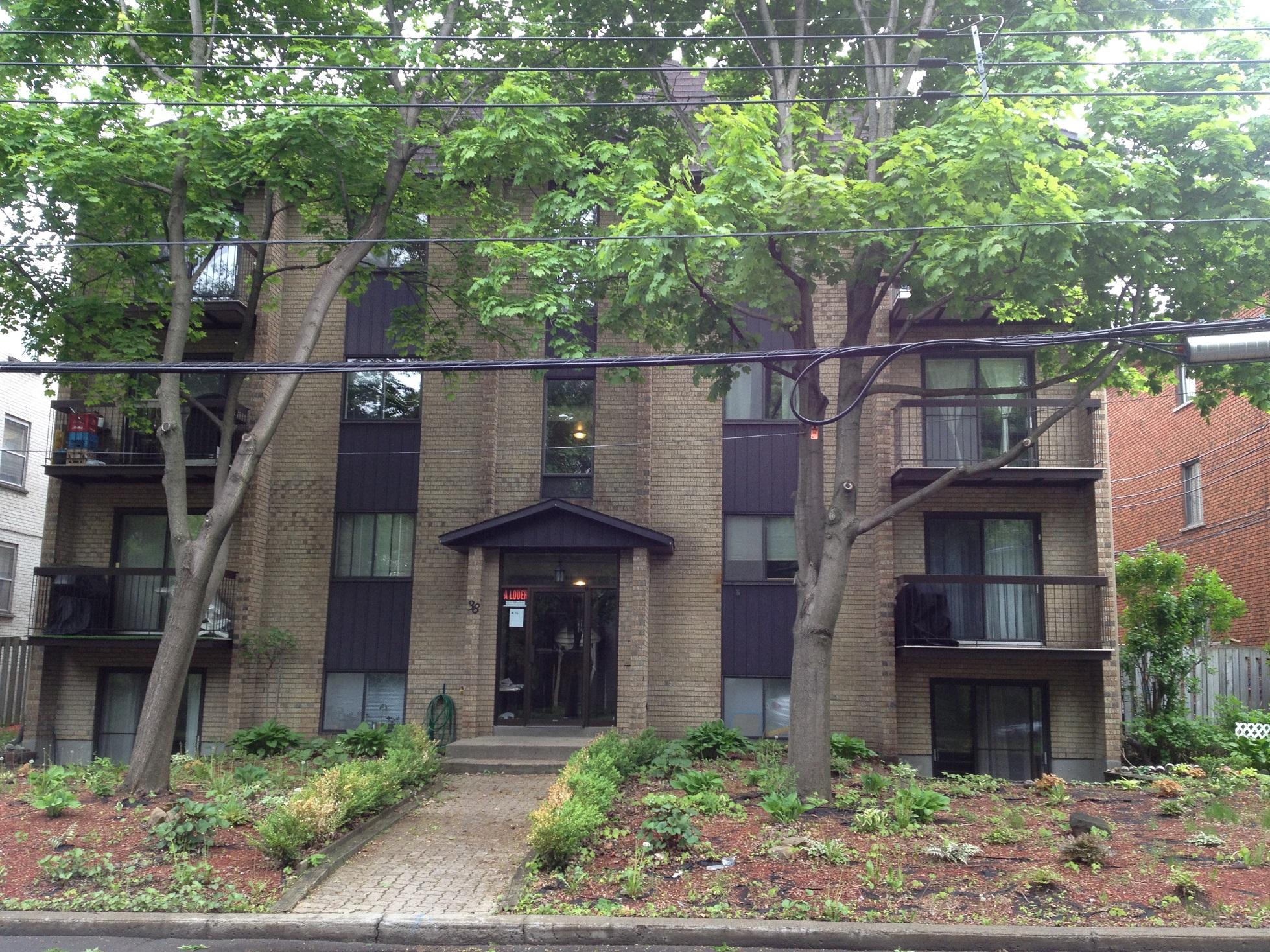 2 bedroom Apartments for rent in Sainte-Anne-de-Bellevue at Maple - Photo 02 - RentersPages – L112103