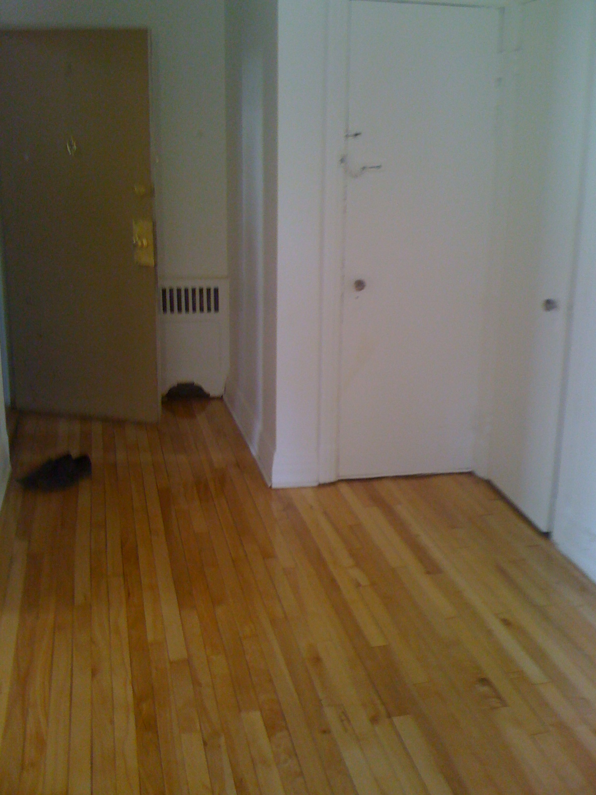 1 bedroom Apartments for rent in Cote-des-Neiges at 4723-25-27-29 Fulton - Photo 04 - RentersPages – L202071