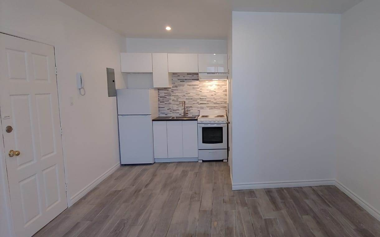 Studio / Bachelor Apartments for rent in Outremont at 1310-1314 Lajoie - Photo 05 - RentersPages – L209579