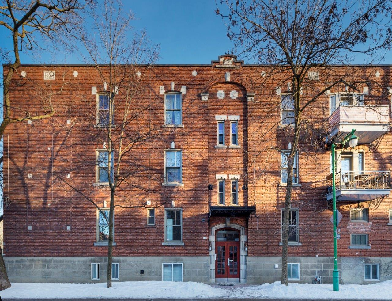 Studio / Bachelor Apartments for rent in Outremont at 1310-1314 Lajoie - Photo 02 - RentersPages – L209579