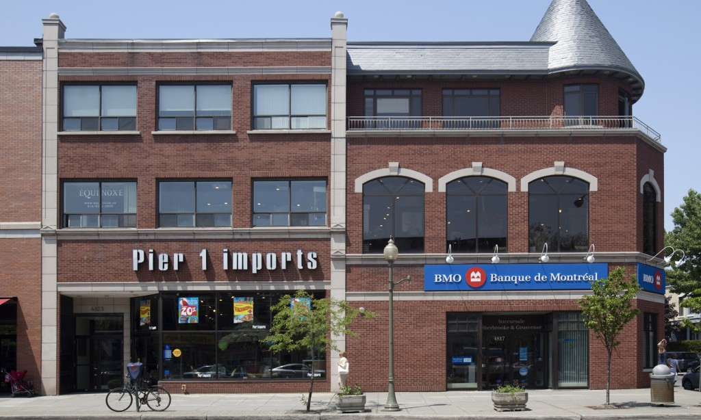General retail space for rent in Westmount at 4817-4823 Sherbrooke West - Photo 02 - RentersPages – L12803