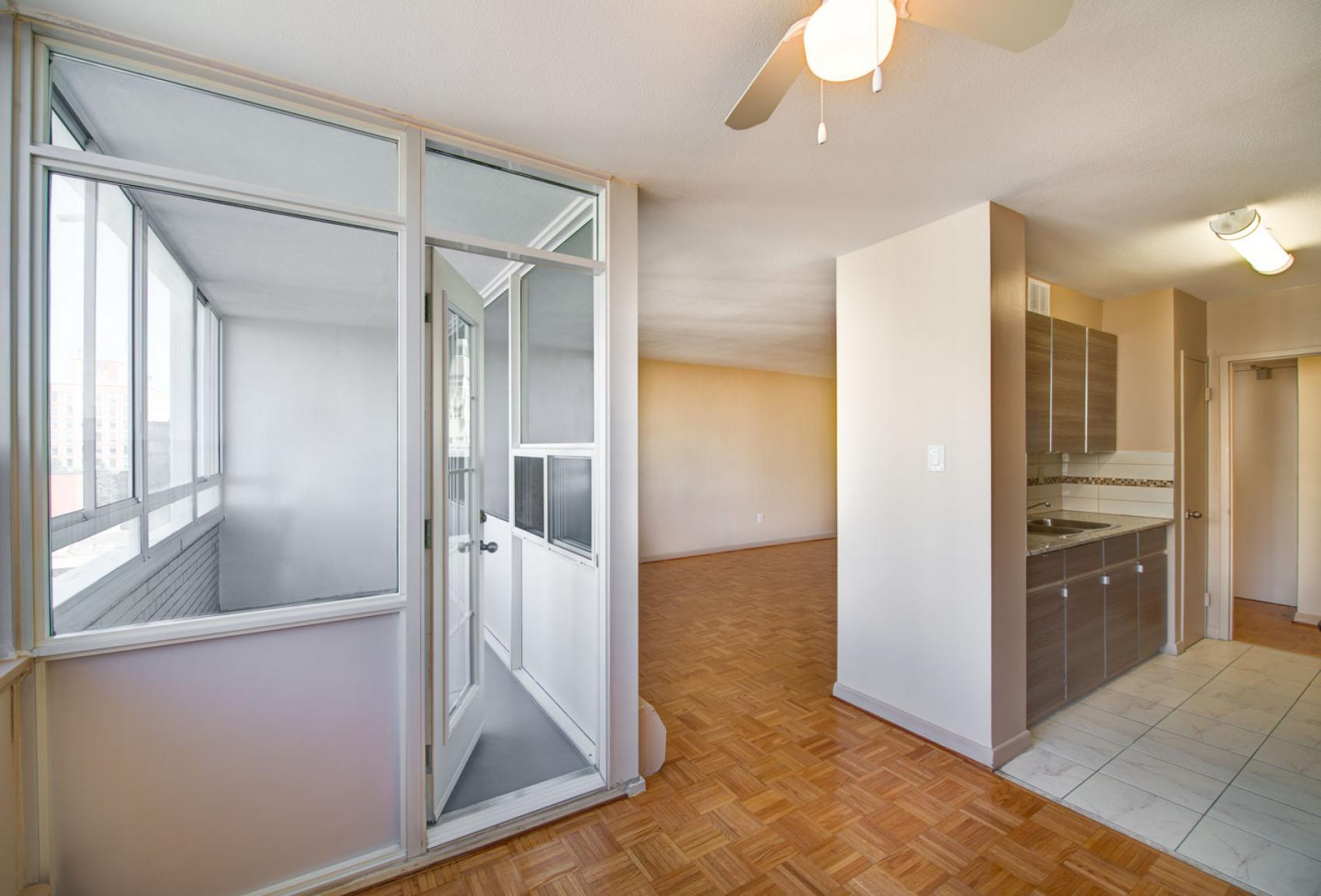 1 bedroom Apartments for rent in Toronto at Dunfield Tower - Photo 11 - RentersPages – L138879