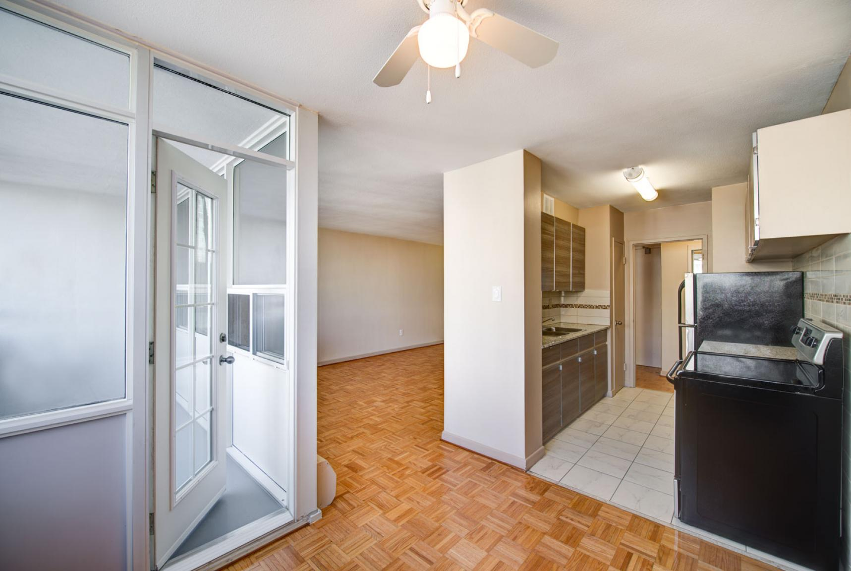 1 bedroom Apartments for rent in Toronto at Dunfield Tower - Photo 12 - RentersPages – L138879