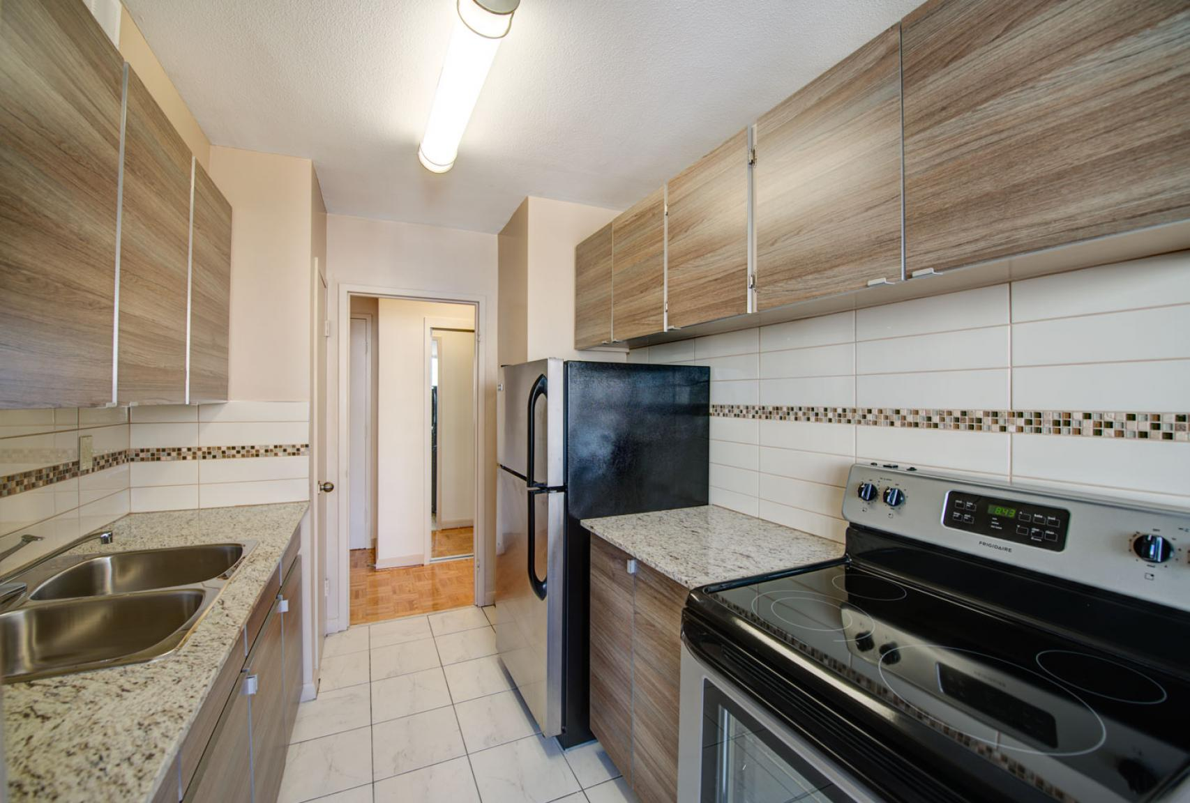 1 bedroom Apartments for rent in Toronto at Dunfield Tower - Photo 13 - RentersPages – L138879